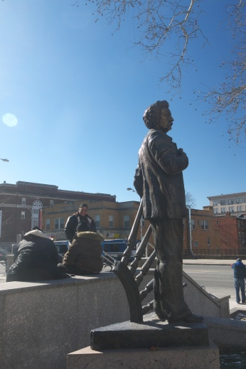 the stature of one of Hartford's best known citizen (Samuel Clemens) and poor people